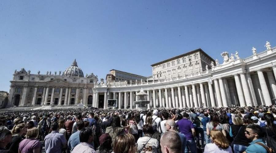 教宗方济各:效法圣母的芳表,传扬和平与生命的福音