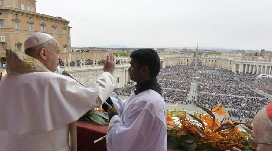 教宗方济各发表2019年复活节文告,降福罗马城和全世界