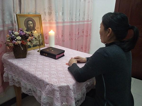 3张祝永的爱人正在祈祷.jpg