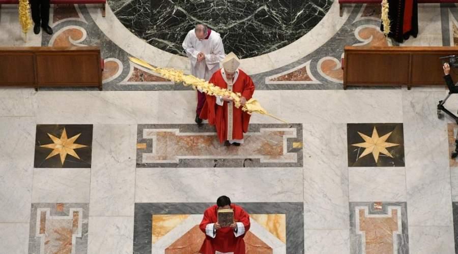 教宗圣枝主日弥撒:疫情的惨况教人学会,生命若不服务,就一无是处