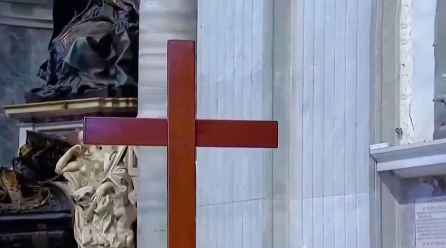 青年园地|  世青十字架正式移交2023年葡萄牙青年代表团