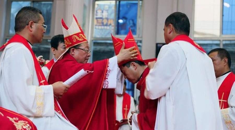 中国甘肃省平凉教区祝圣新主教
