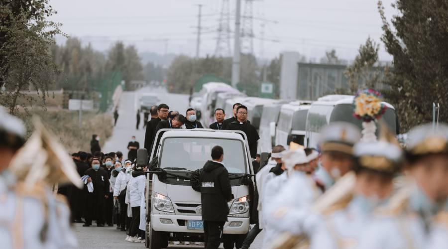 六分钟视频回顾杨祥太主教葬礼